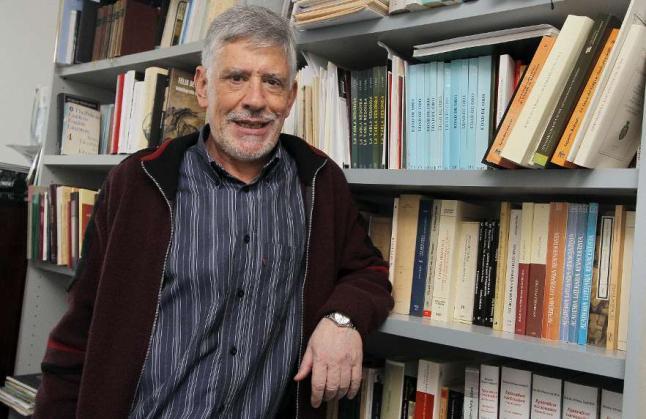 El profesor Fernando Romo Feito.